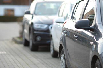 Vecino comunidad no aparca bien el coche